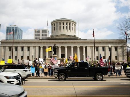 Hundreds Protest Against US Lockdown