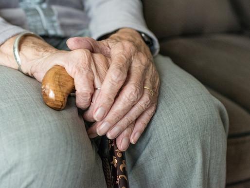 ¿Quién cuida al abuelo que se torno violento?