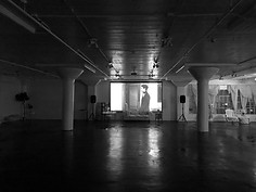 Skyline Loft - Projector and Screen 2 BW