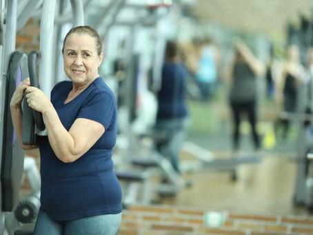 Benefícios do exercício físico na terceira idade.