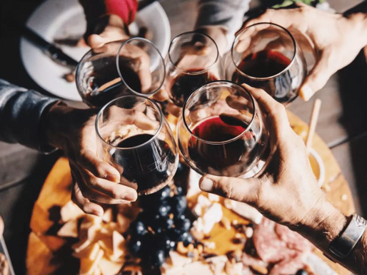 How wine brands use social media and influencer marketing to sell their products 🍷?