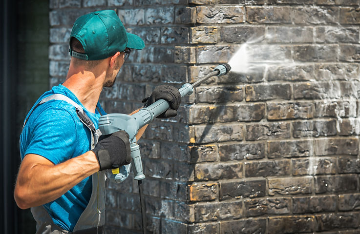 House Brick Wall Washing Using Pressure