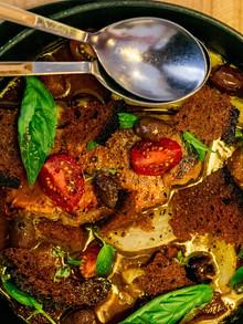 Rougets grillés,  soupe de poissons et légumes safranés
