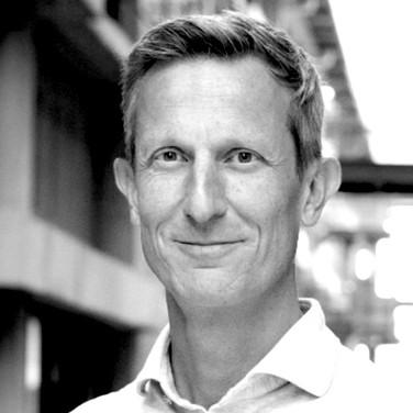 Dr. Martijn Stuiver