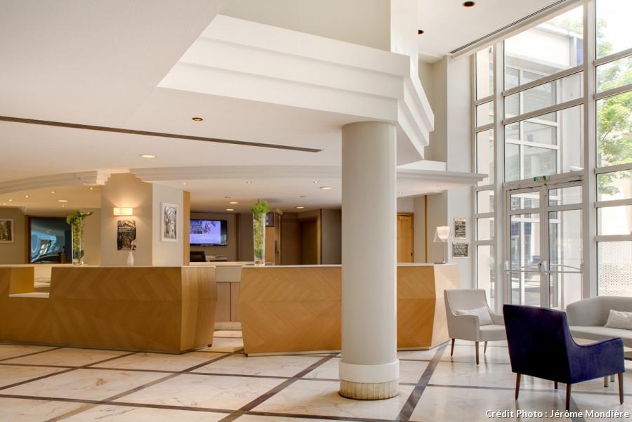 mcr-hotel-vichy-celestins-lobby.jpg
