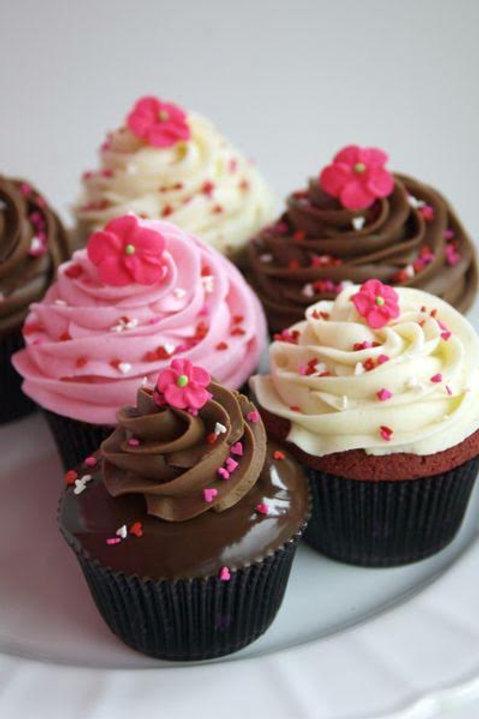 Romantic Dozen Cupcakes
