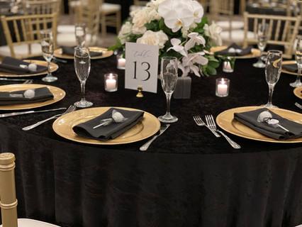 Wedding Cake Pop Favor - Table.JPG