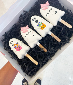 Ghost Cakesicles
