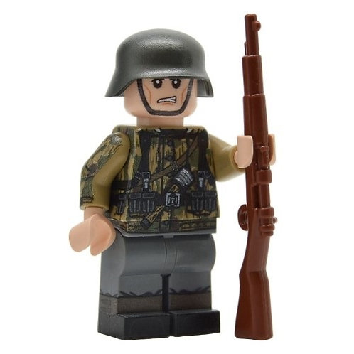 WW2 German Soldier in Swamp Camo