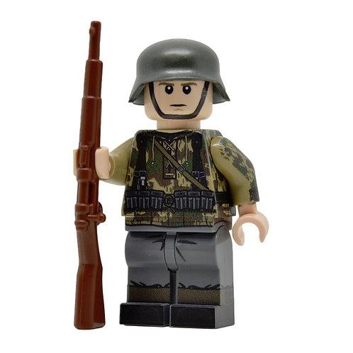 WW2 German in Splinter Camo Smock (KAR98)