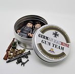WW2 German Machine Gun Team Tin_03.JPG