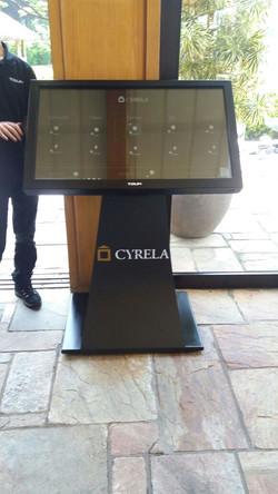 Totem Cyrela