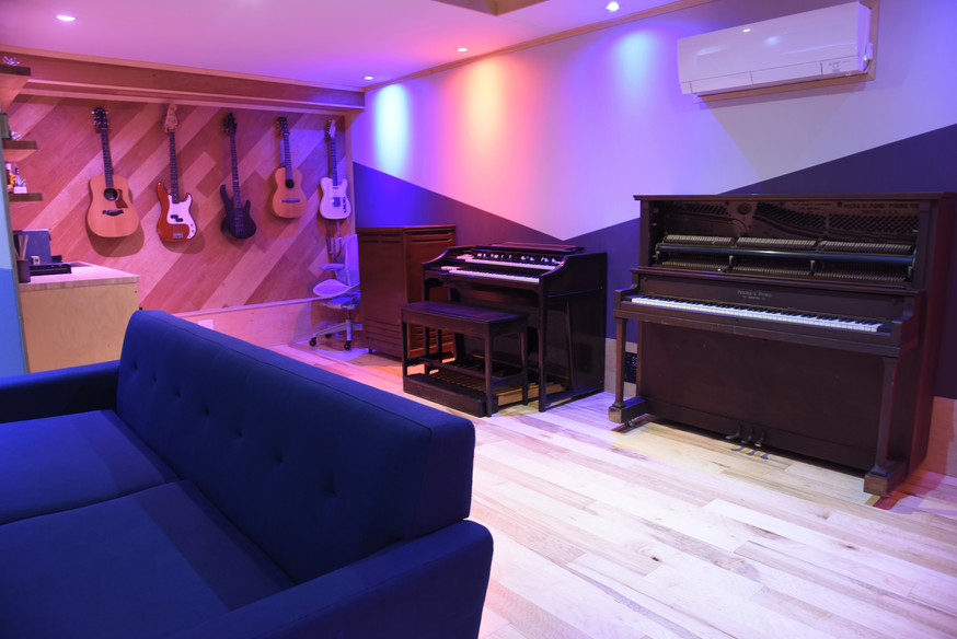 Lounge and Keyboards