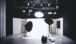 Studio Photo 2.png