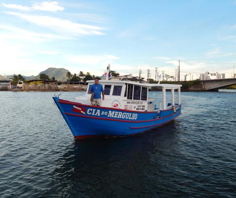 Embarcação Cia Do Mergulho