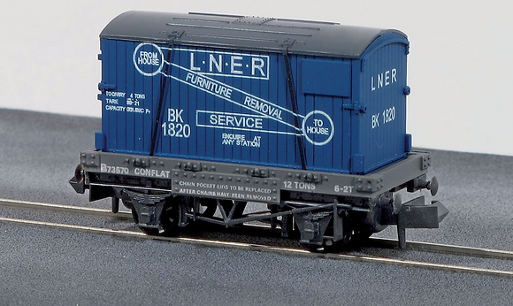 Peco N NR-23 Conflat Wagon With Container Furniture Removals LNER