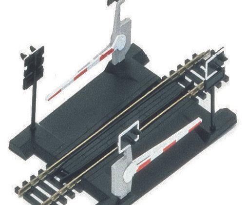 Hornby Level Crossing Single Track - R645
