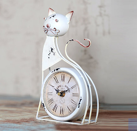 Whimsical Kitty Table Clock