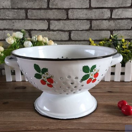 Enamel Petite Strawberry Colander