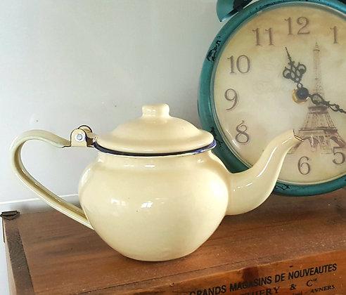 Enamel Aladdin Teapot