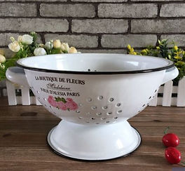 Country Rose Colander Small.jpeg