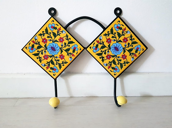 "Hand Painted Ceramic Wall Hanger - 11.2 ""W 2 hooks"