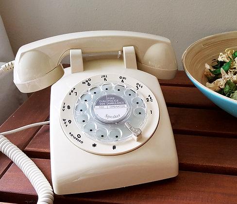 1970s Retro Dial Phone