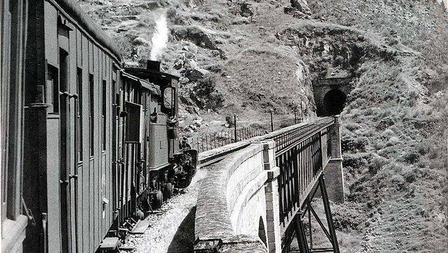 tren XIX.jpg
