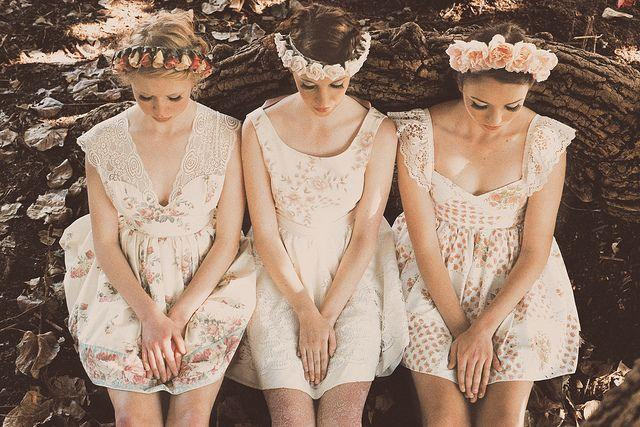vintage-bridesmaids-flower-crowns-bohemian-style-pinterest.jpg