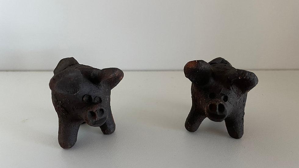 Good Luck Pigs