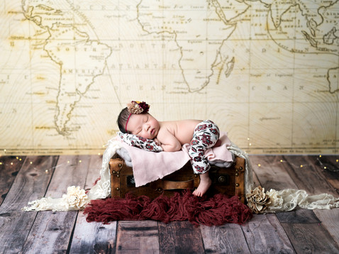 CAM Photography Alexis Newborn 2018.39.jpg