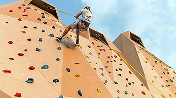 anthem-rockwall-man-climbing-day-activit