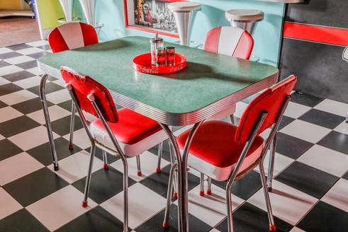 Diner '57 - 50's Diner Scene