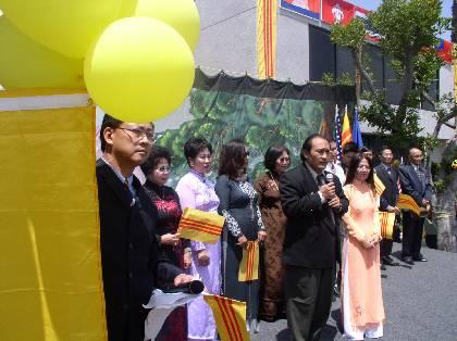 5-19-2003-KhanhThanh_VNTD_18_5_03_146