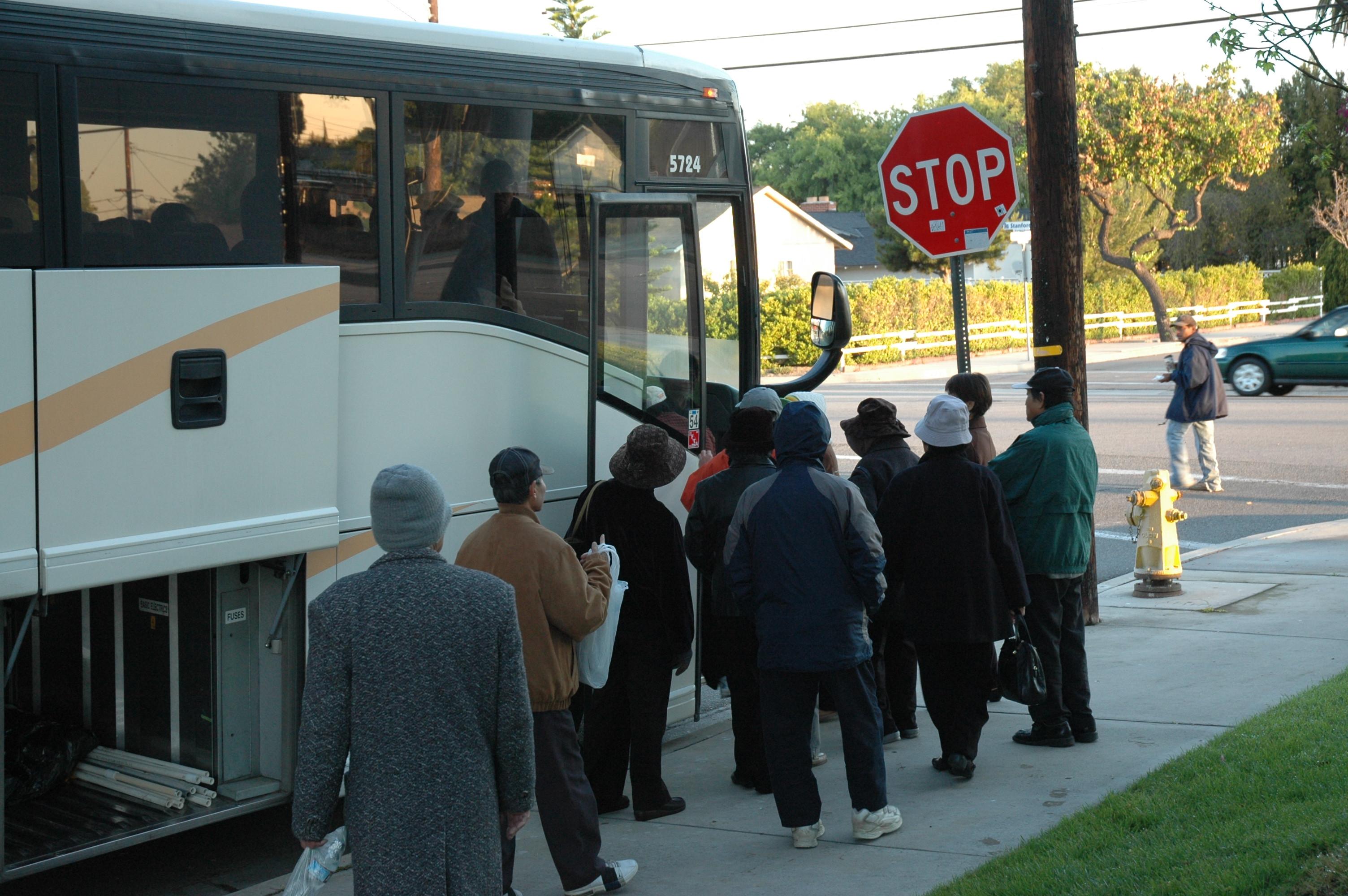 len xe bus