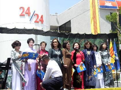 5-19-2003-KhanhThanh_VNTD_18_5_03_170