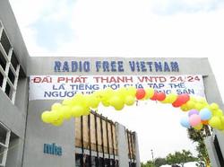 5-19-2003-KhanhThanh_VNTD_18_5_03_051