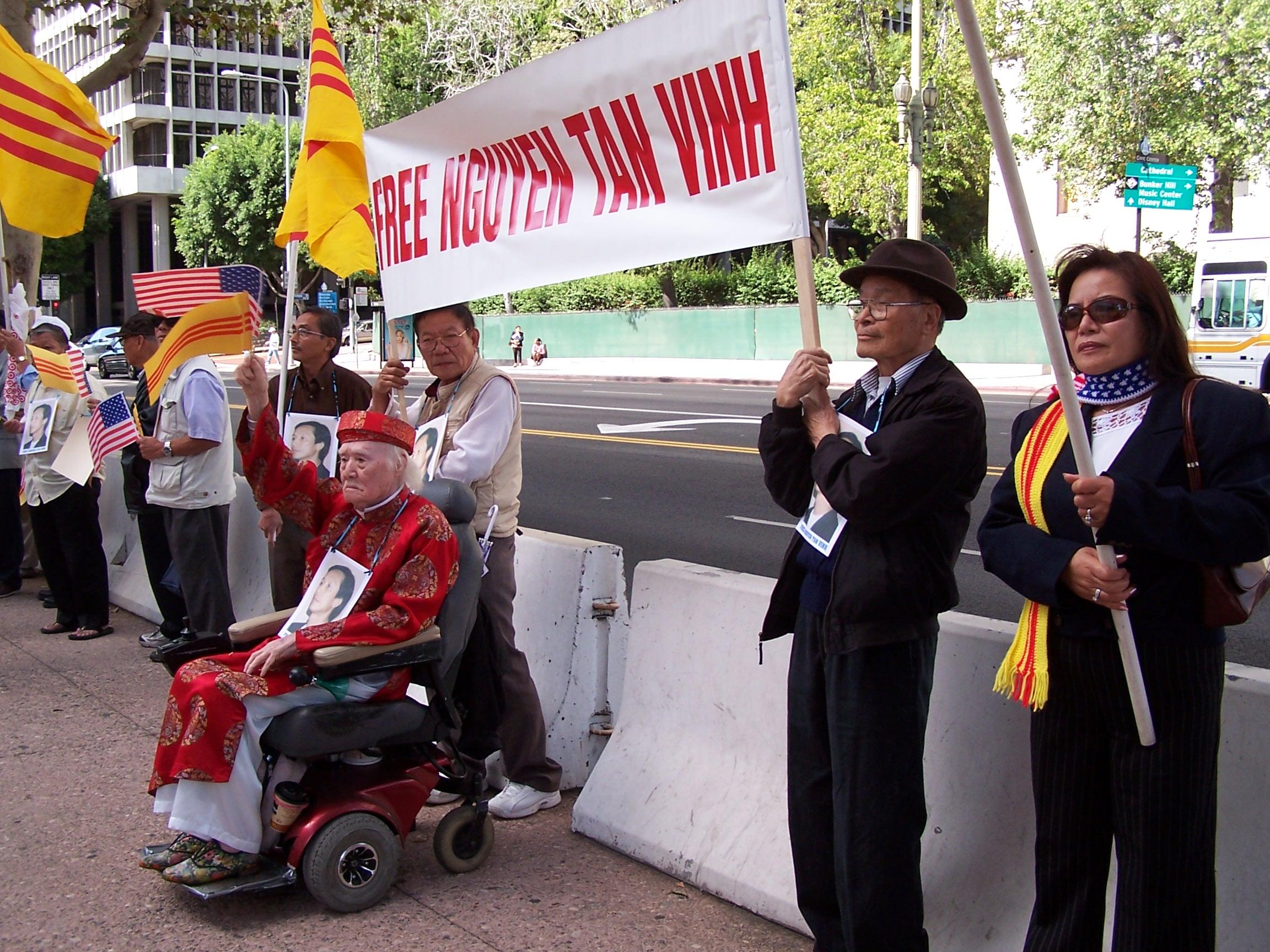 LA - Oct. 5. 2007