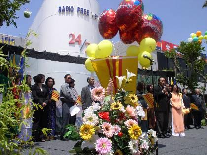 5-19-2003-KhanhThanh_VNTD_18_5_03_149