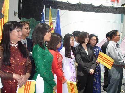 5-19-2003-KhanhThanh_VNTD_18_5_03_147