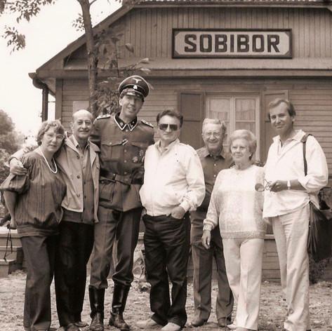 Survivors on set with Hartmut Becker
