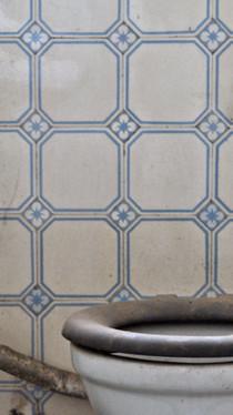 Villeroy & Boch Mosaikfabrik I Stadtbad Krefeld I UrbexArt I Historische Wandfliesen I Samara Blue Photo Art