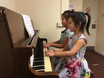 Nite Piano School