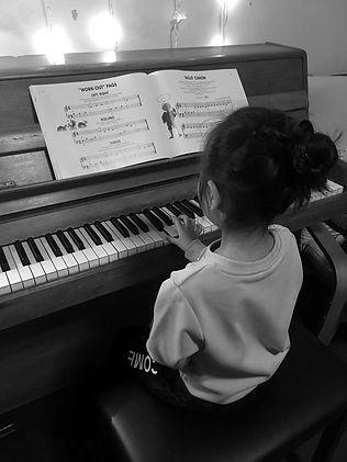 piano%208_edited.jpg