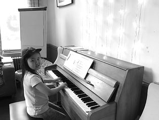 piano%201_edited.jpg
