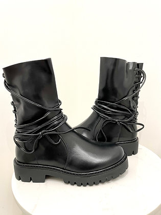 BOOTS LACETS
