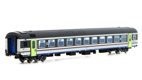 ViTrains 3204 - Carrozza passeggeri di 2°cl, MDVE - H0