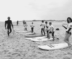 Surf lesson in smaller groups