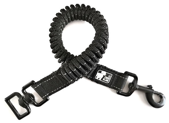 Extension Bungee LINK, Le chien blanc