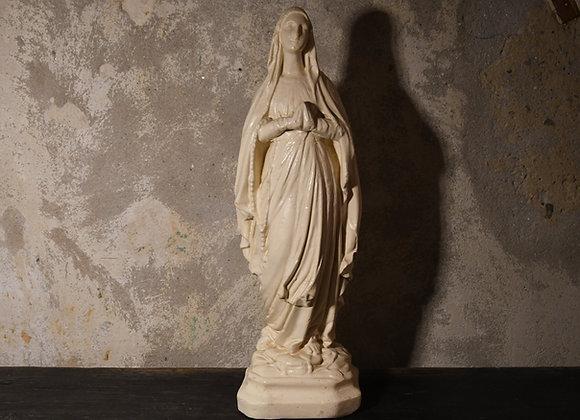 Vierge en plâtre